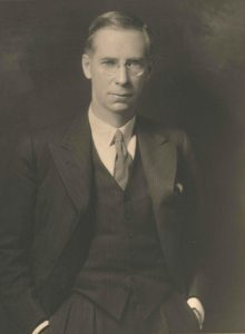 R. Mac Iver, 1922-1927